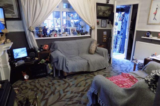 Lounge of Ebenezer Place, Great Horton, Bradford BD7