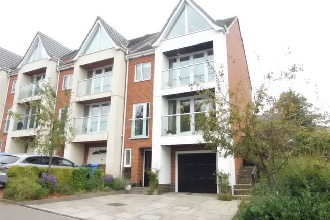 Thumbnail Town house for sale in Greenway Drive, Littleover, Derby