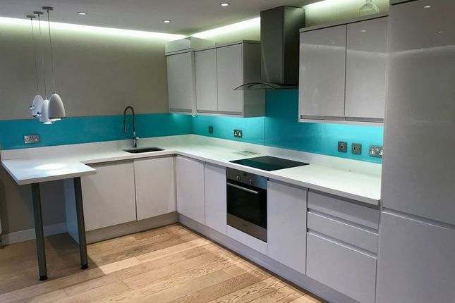 Thumbnail Flat to rent in Dean Street, Marlow