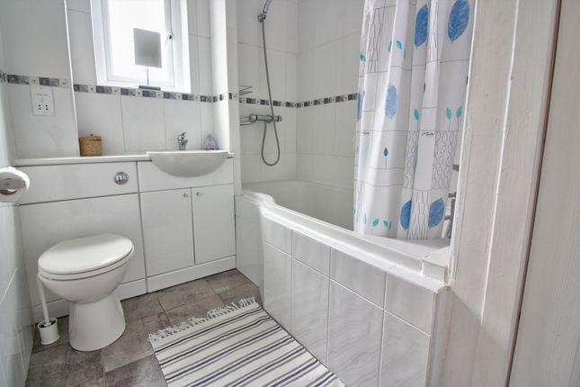 Family Bathroom of Stuart Park, East Craigs, Edinburgh EH12
