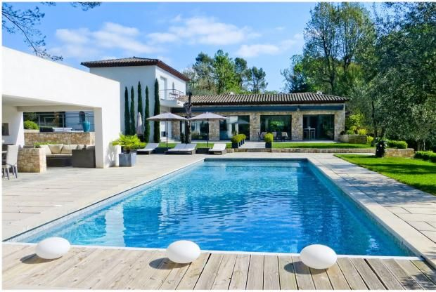 Thumbnail Country house for sale in Roquefort-Les-Pins, French Riviera, 06330