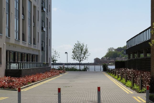 Ferry court cardiff cf11 studio for sale 47604415 - Living room letting agency cardiff ...