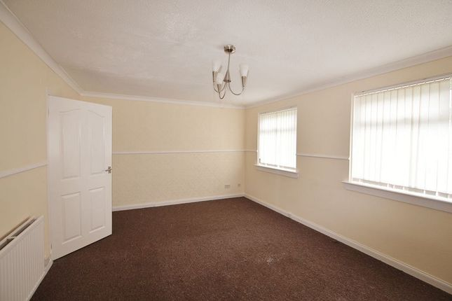 Thumbnail Maisonette to rent in Greenlaw Avenue, Wishaw