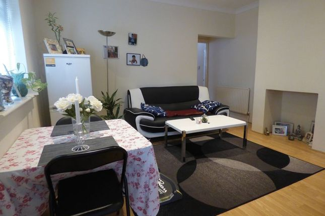 Thumbnail Flat to rent in Lewis Road, Sutton