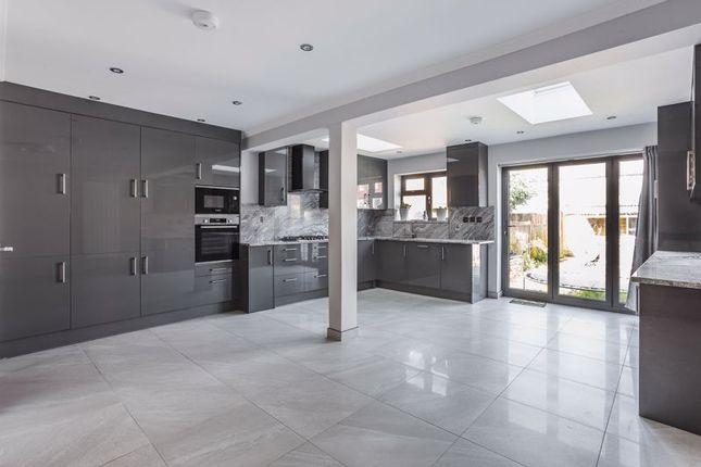 Thumbnail Terraced house to rent in Headley Avenue, Wallington, Ref: Jk