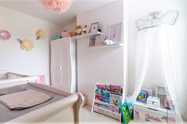 Bedroom of Mead Road, South Willesborough, Ashford, Kent TN24