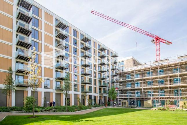 2 bed flat for sale in Endeavour House, Royal Wharf