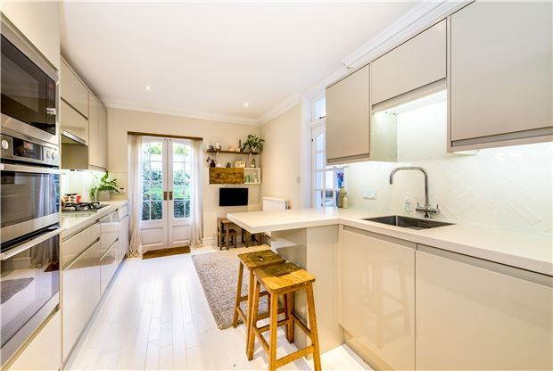 4 bedroom terraced house for sale in Lyme Road, Bath, Somerset