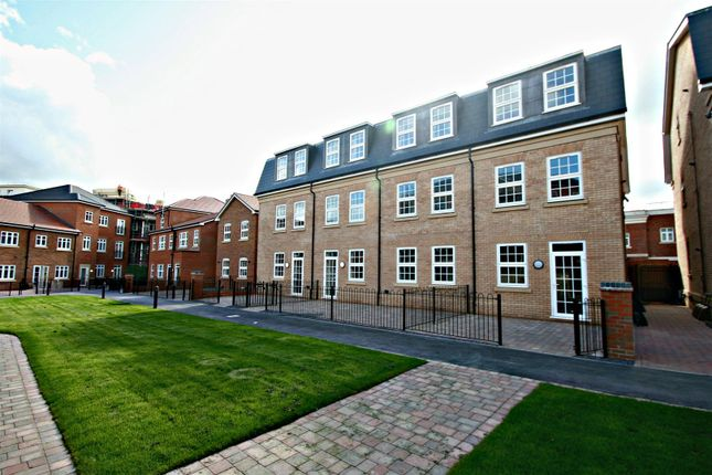 Thumbnail Flat to rent in Sissinghurst Court, Main Street, Dickens Heath, Solihull