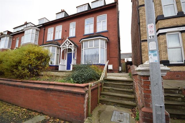 Thumbnail Flat to rent in Trinity Road, Bridlington