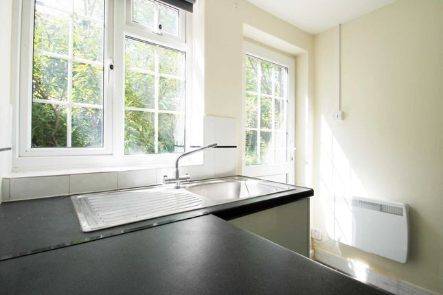 1 bed flat to rent in Russell Street, Reading