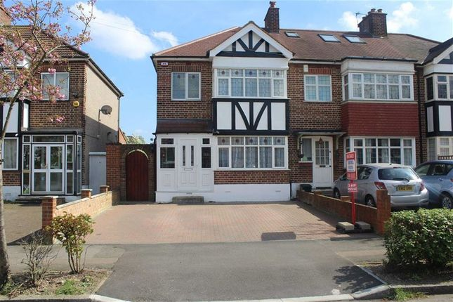 Thumbnail Semi-detached house to rent in Glastonbury Avenue, Woodford Green