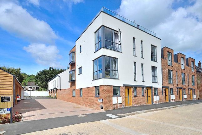 Thumbnail End terrace house for sale in Findon Road, Findon Valley, Worthing, West Sussex