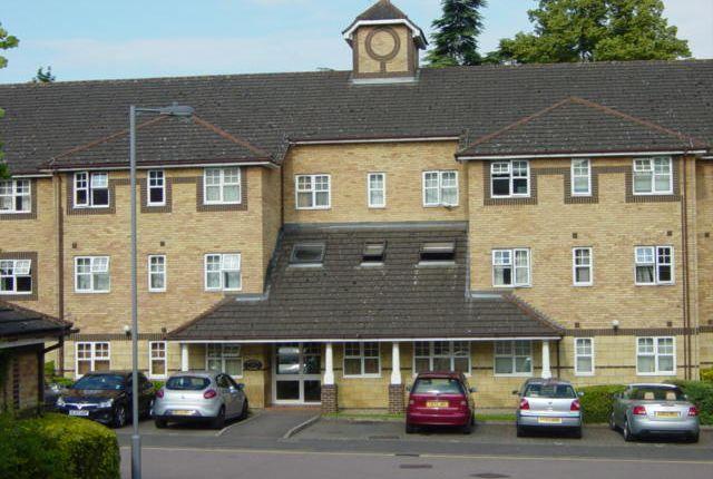 Barons Court, Luton LU2