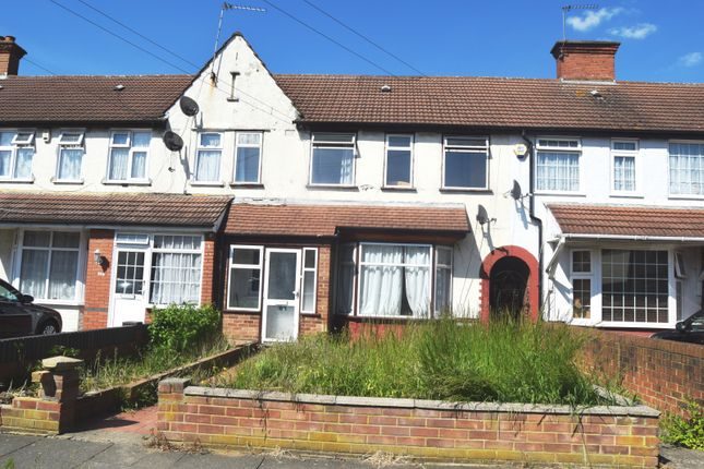 End terrace house to rent in Cranborne Waye, Hayes