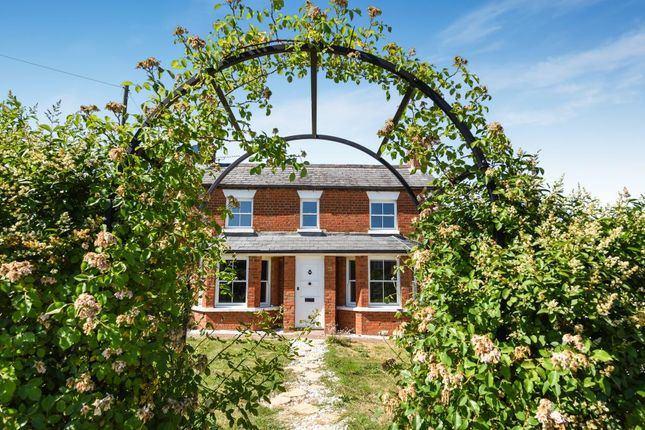 Thumbnail Detached house for sale in Forest Road, Binfield