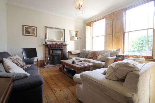 Thumbnail Semi-detached house to rent in Kings Grove, London