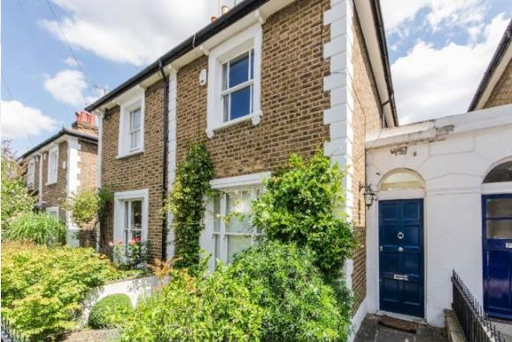 Thumbnail Semi-detached house to rent in Dunstable Road, Richmond