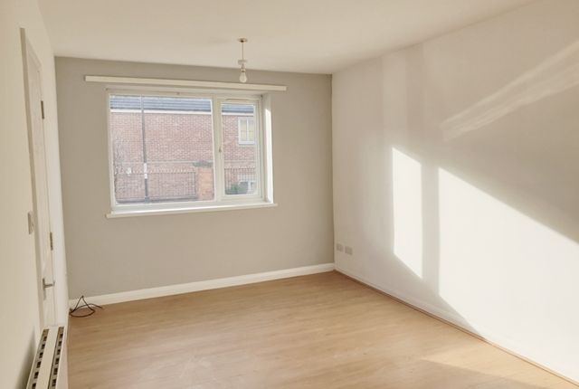 Thumbnail Flat to rent in Heanor Road, Codnor, Ripley