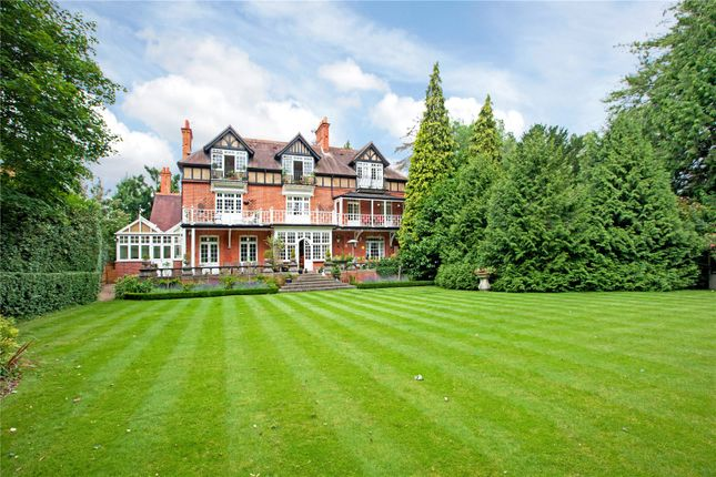 Thumbnail Flat for sale in Somerlea, Court Road, Maidenhead, Berkshire