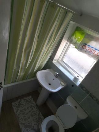 Thumbnail Maisonette to rent in Green Street, London, London