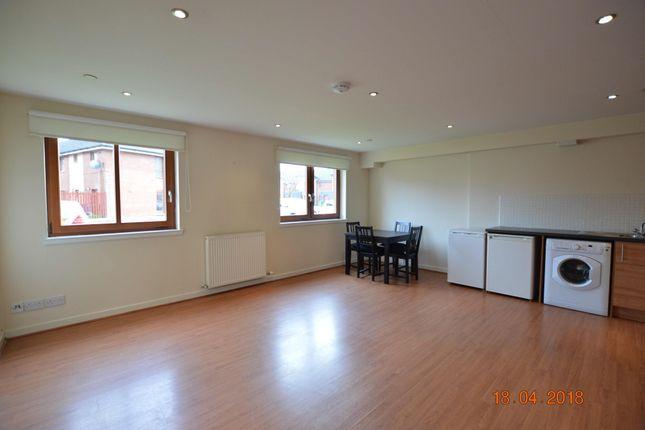 2 bed flat to rent in Dalmarnock Drive, Bridgeton, Glasgow