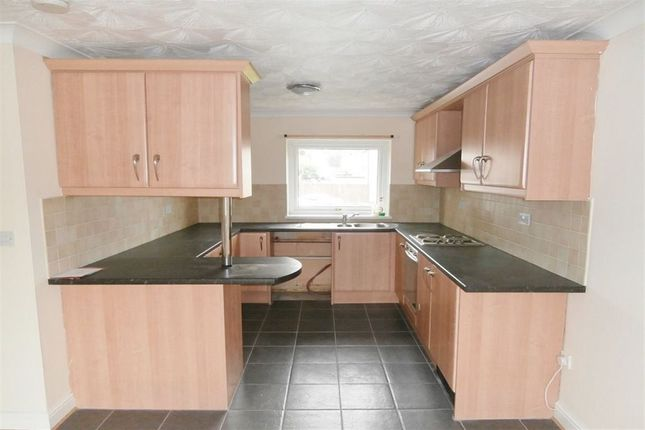 Thumbnail Flat to rent in Angell Green, Clifton, Nottingham