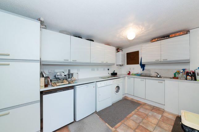 Utility Room of Priory Close, Royston SG8