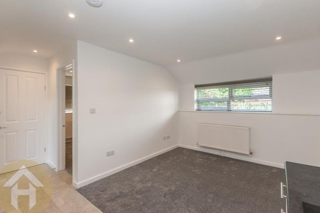 Thumbnail Bungalow to rent in Wootton Hall, Sparrow Lane, Royal Wootton Bassett