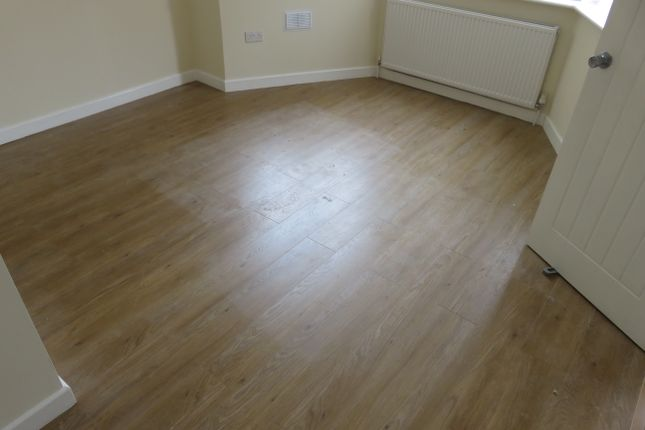 Thumbnail Room to rent in Broad Walk, Hounslow