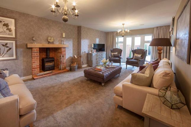 4 bedroom detached house for sale in Magpie Close, Holt