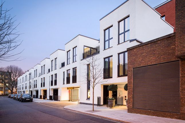 Thumbnail Town house for sale in Lyons Place, London