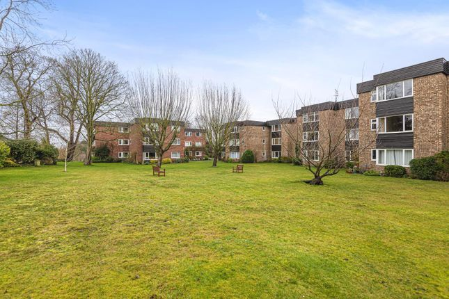 1 bed flat for sale in Mount Felix, Walton-On-Thames KT12