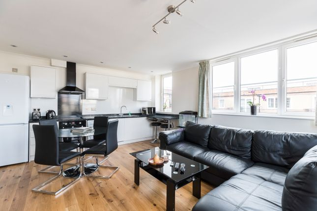 2 bed flat for sale in Hartington Road, London