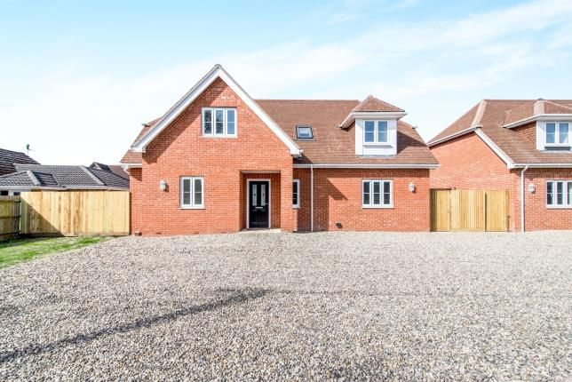 Thumbnail Detached house for sale in Tadley, Hampshire, England