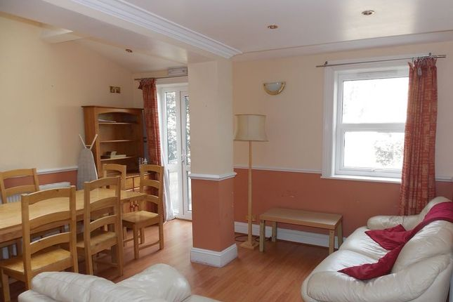 Thumbnail Terraced house to rent in Victoria Terrace, Bath