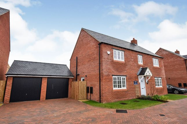 Thumbnail Detached house for sale in London Yard, Parsons Street, Banbury