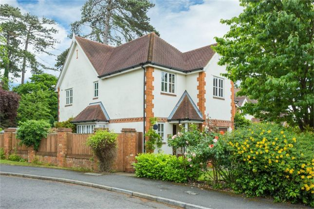 4 bed semi-detached house for sale in Kemsley Chase, Farnham Royal, Buckinghamshire