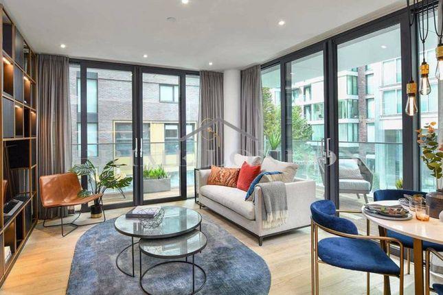 3 bed flat for sale in Neroli House, Goodman's Fields, Aldgate East E1