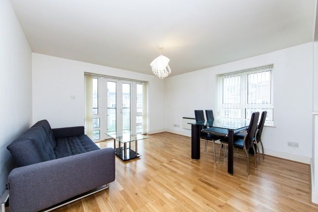 Thumbnail Flat to rent in St. Davids Square, London