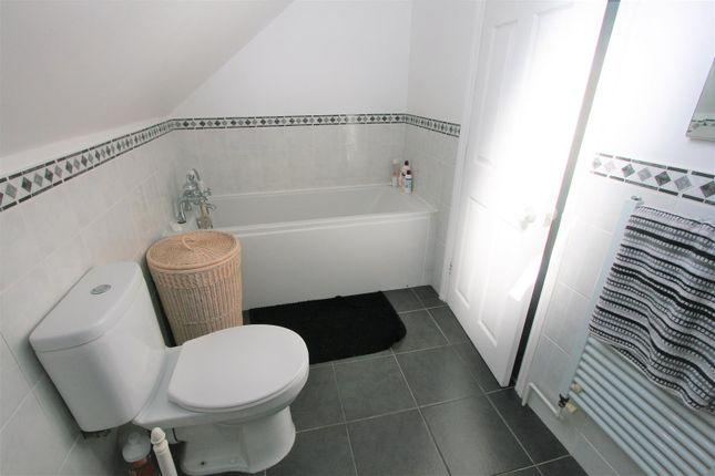 Bathroom of The Crescent, Bricket Wood, St. Albans AL2