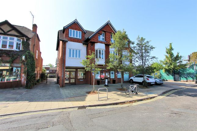 Thumbnail Flat to rent in Tarrant Place, Madeira Road, West Byfleet