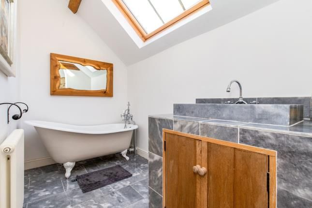 Bathroom of Kirkby In Cleveland, North Yorkshire TS9