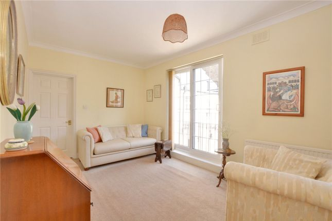 Lounge of Frobisher Court, 10 Old Woolwich Road, Greenwich, London SE10