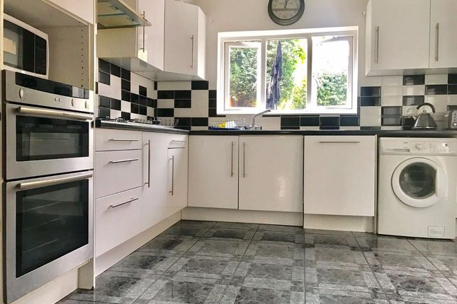 Thumbnail Semi-detached house to rent in Broughton Road, Thornton Heath