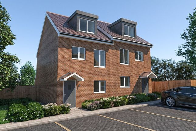 Thumbnail Terraced house for sale in Bridge Wardens Place, Rochester, Kent