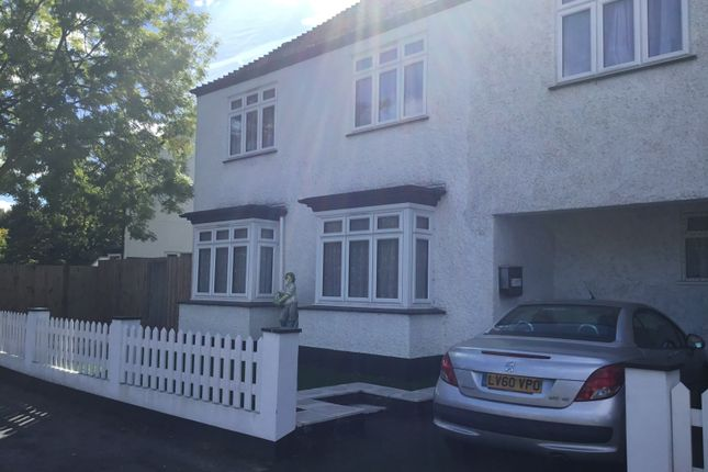Thumbnail Flat to rent in South Eden Park Road, Bromley/Beckenham