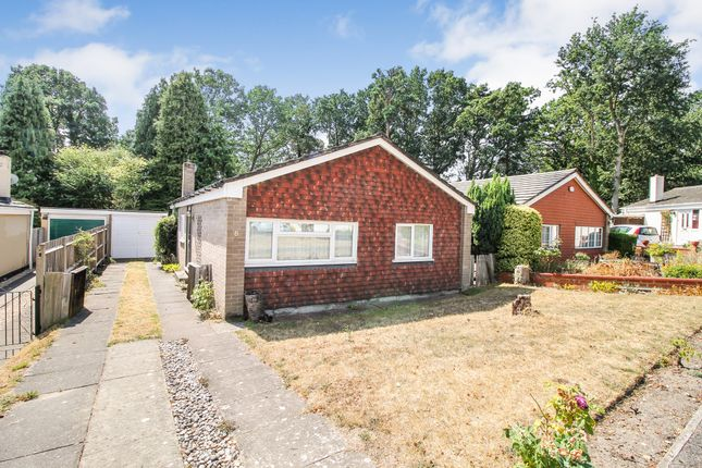 Thumbnail Bungalow for sale in Lockwood Close, Hampshire