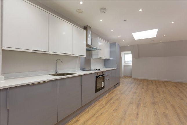 2 bed flat to rent in Calverley House, 55 Calverley Road, Tunbridge Wells, Kent TN1