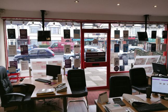 Office to let in Aldborough Road South, Ilford, Essex